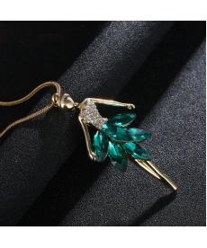 Sevimli Balerin Kolye Yeşil Taşlı Kristal Altın Renkli Zincir Bayan Kolye