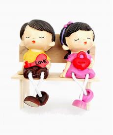 Bankta Oturan Love Sevgili Biblo Romantik Hediyeler