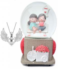 Bankta Oturan Sevgililer Müzik Kutusu Angel Wings Kalpli Kolye 14 Şubat Hediye