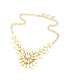 Yeni Sezon Takılar Moda Beyaz Çiçek Motifli Kolye