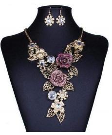 Muhteşem Çiçek Motifli Avrupa Moda Kolye ve Küpe Retro Takı Seti