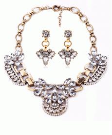 Retro Muhteşem Romantik Stil Gold Bib Gerdanlık Kristal Kolye ve Küpe